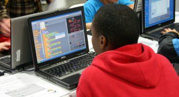 Blog Lotte de Bruijn: 'Tekort aan ICT'ers: wat is het probleem en hoe lossen we het op?'